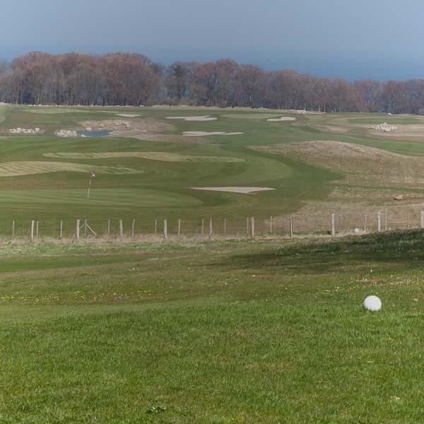 Golfplatz mit Ostseeblick